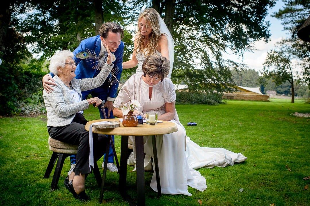 36 trouwfotograaf huisje james cantharel apeldoorn 36