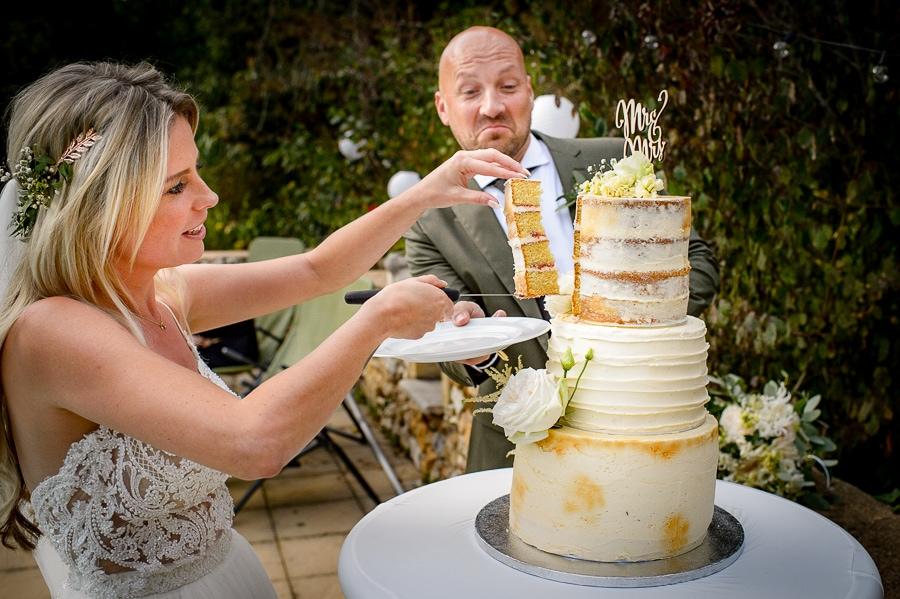 weddingcake aansnijden