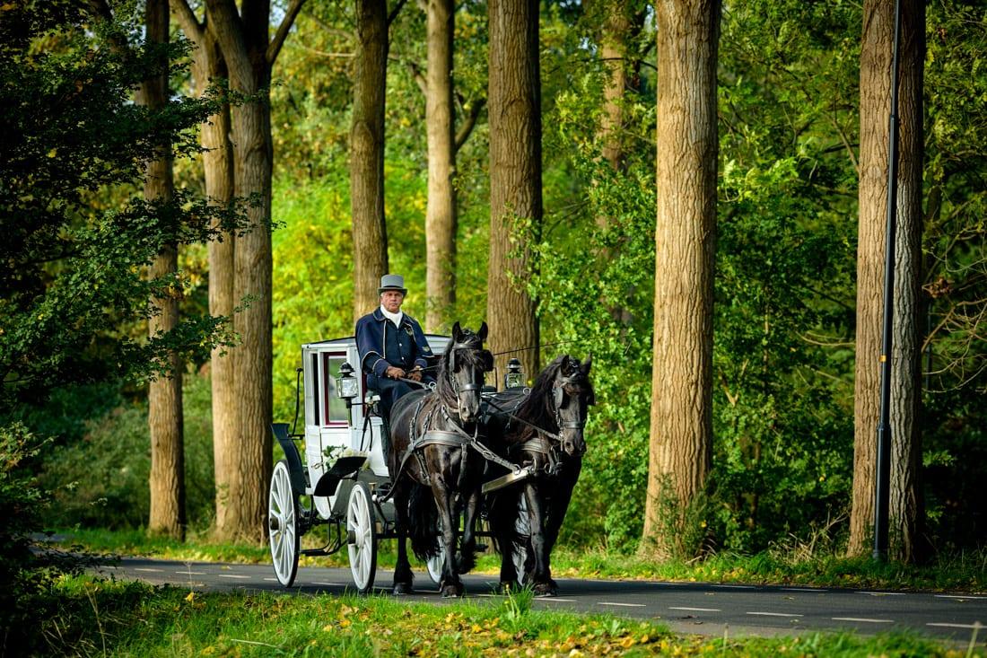 Juriaan en Daniëlle trouwen op Landgoed Klarenbeek