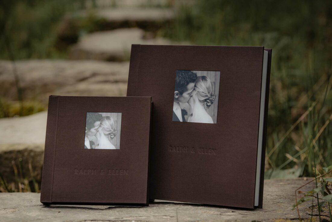2 trouwalbum met bruine cover met foto